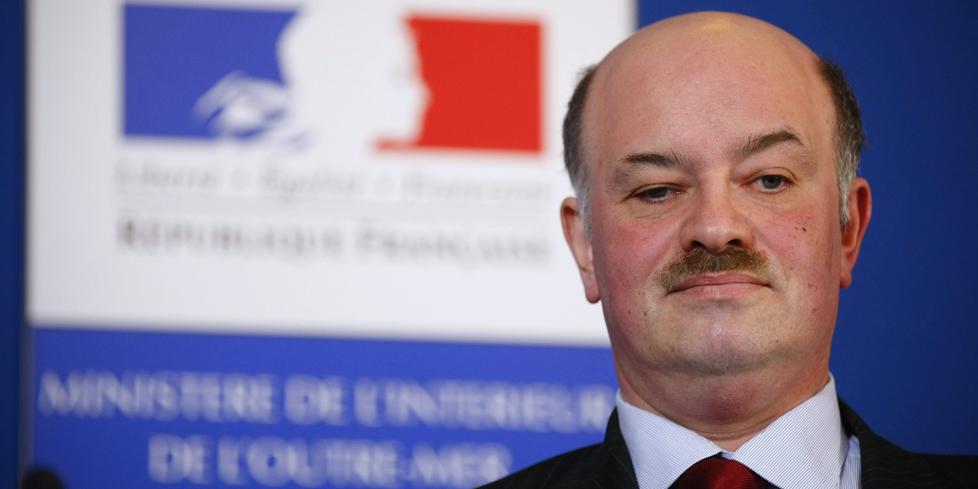 Alain-Bauer-prend-du-retrait-pour-ne-pas-gener-Valls